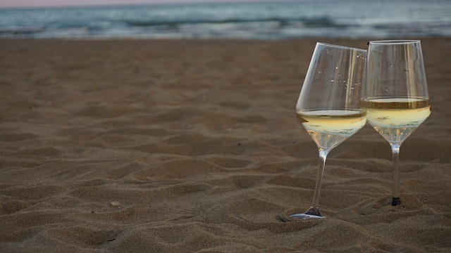 Photo of wine on beach | Creekstone Village